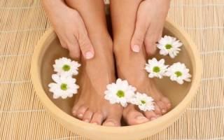 Чем при простуде попарить ноги
